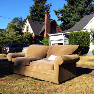 discarded-couch-8-26-14-2
