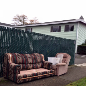 discard-couch-11-21-14-1