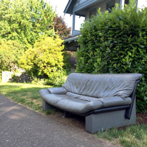 discard-couch-6-10-15-1