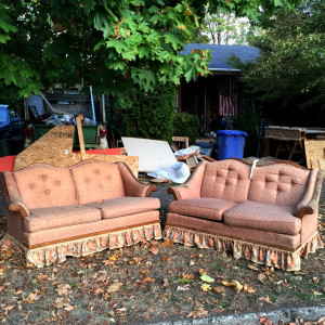 discard-couch-10-22-15